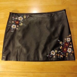 Vanilla Star. Embroidered. Faux Leather. Mini.